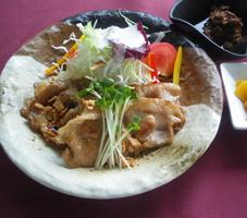 豚ローススタミナ焼膳.png